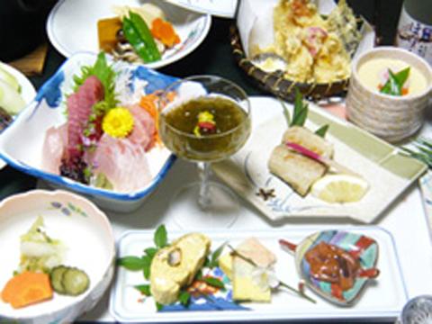 天然食材の素材の味を生かした熱海ならではの料理