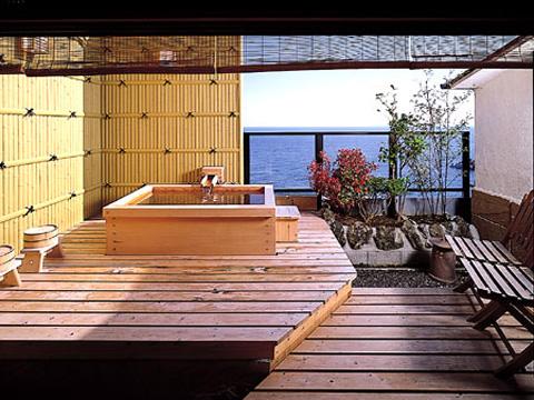 露天風呂が付いたワンランク上の客室