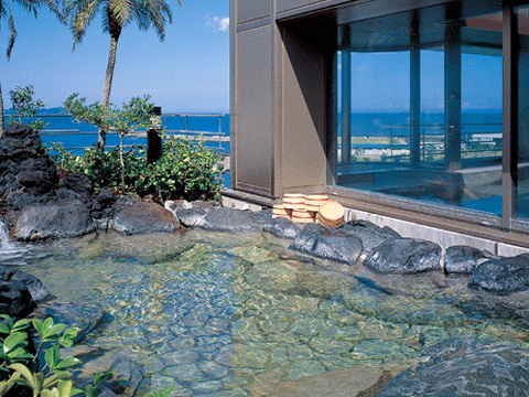 自家源泉の天然温泉をご堪能いただける露天風呂