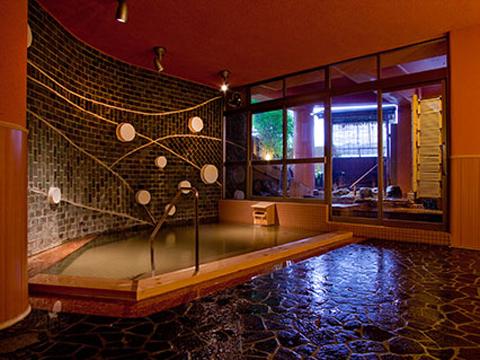 たっぷりの温泉に癒される広くて快適な大浴場